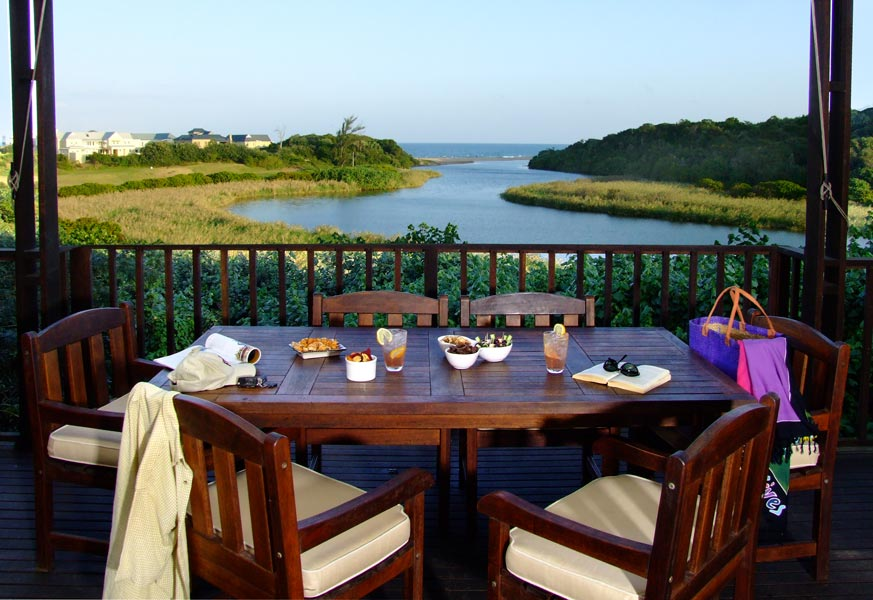 Broom%27s_Estate_Lodge_Front_Self_catering_Villa_Deck